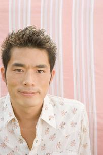 日本人男性の写真素材 [FYI04038160]