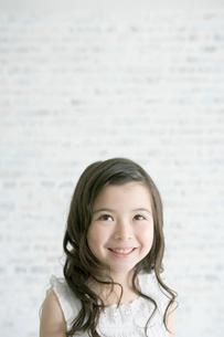 女の子のポートレイトの写真素材 [FYI04039366]