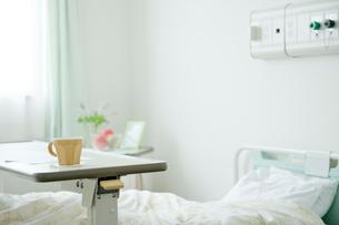 病室のベッドの写真素材 [FYI04039443]