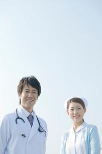 医師と看護師のポートレイトの写真素材 [FYI04039493]