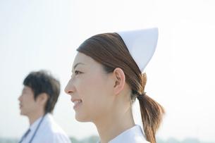 医師と看護師のポートレイトの写真素材 [FYI04039495]