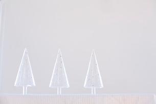 ガラスのクリスマスツリーの写真素材 [FYI04040507]
