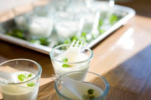 ミルクのゼリーの写真素材 [FYI04040508]