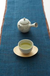 急須とお茶の写真素材 [FYI04041147]