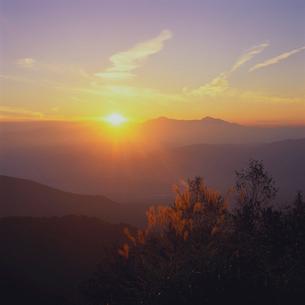 落日の妙高山の写真素材 [FYI04041242]
