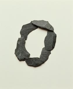 石で作った0の文字の写真素材 [FYI04047832]