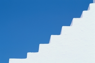 青空と白い建物 ミコノス島 ギリシアの写真素材 [FYI04047969]
