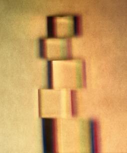 積み重なる立体イメージの写真素材 [FYI04048791]