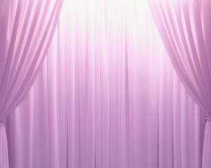 ピンクのカーテンのドレープの写真素材 [FYI04048808]