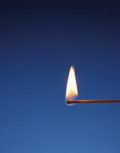 マッチの炎の写真素材 [FYI04049180]