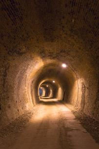 碓氷五号トンネルのカーブの写真素材 [FYI04049481]