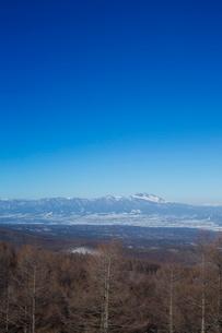 松原湖高原より佐久市街と浅間山を望むの写真素材 [FYI04049539]