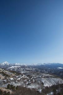 冬の蓼科山と八ヶ岳連峰の写真素材 [FYI04049680]