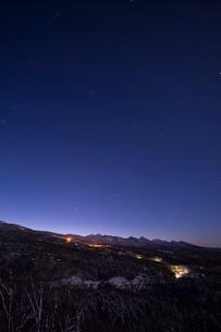 星と八ヶ岳連峰の写真素材 [FYI04049692]