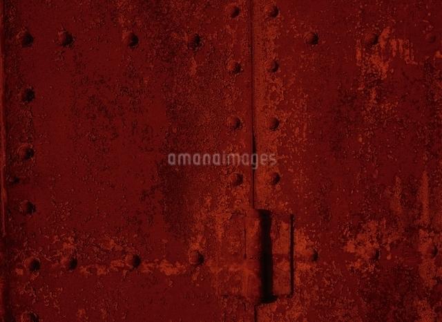 金属の壁(赤さび色)の写真素材 [FYI04049870]
