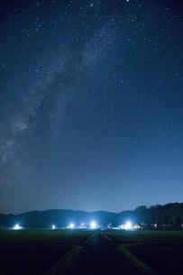 夜空の天の川の写真素材 [FYI04049962]