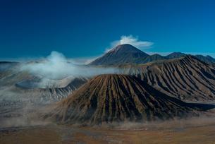 ブロモ山とスメル山の写真素材 [FYI04050538]