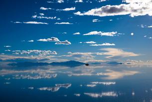 ウユニ塩湖の写真素材 [FYI04050592]