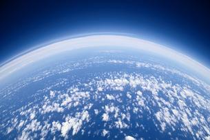 地球と大気圏の写真素材 [FYI04050847]