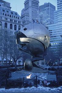 9月11日のメモリアルのモニュメント(青) ニューヨークの写真素材 [FYI04051255]