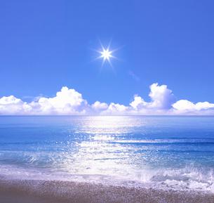 海と太陽の写真素材 [FYI04051598]