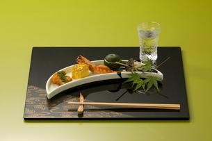 京料理と冷酒の写真素材 [FYI04051988]