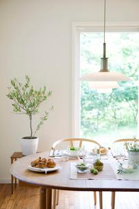 朝食のテーブルの写真素材 [FYI04052176]