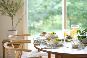 朝食のテーブルの写真素材 [FYI04052183]