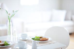朝食のテーブルの写真素材 [FYI04052408]