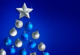 ブルーイメージのクリスマスツリーの写真素材 [FYI04052662]