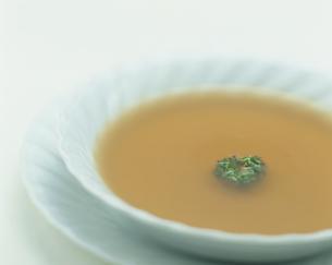 コンソメスープの写真素材 [FYI04052851]
