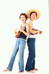 2人の日本人女性の写真素材 [FYI04053078]