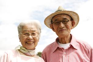 日本人のシニア夫婦の写真素材 [FYI04058587]