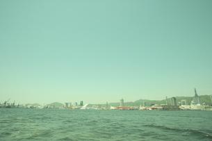 神戸港と市街の写真素材 [FYI04058615]