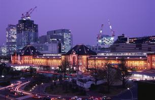 丸ビルから見た東京駅の写真素材 [FYI04058728]