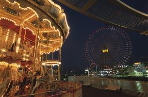 横浜コスモワールドのライトアップの写真素材 [FYI04059060]
