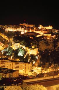 大公宮殿と歴史博物館の夜景の写真素材 [FYI04059352]