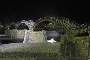 錦帯橋の夜景の写真素材 [FYI04059704]