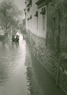 古街の運河の写真素材 [FYI04059848]