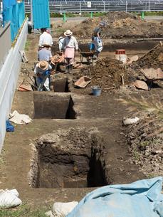 遺跡の発掘作業の写真素材 [FYI04060784]