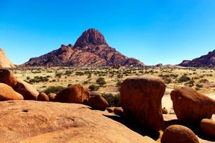 ナミビアの岩山の写真素材 [FYI04060873]