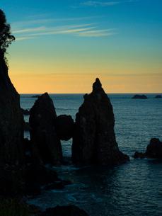 兵庫 竹野海岸切浜 はさかり岩の写真素材 [FYI04060941]