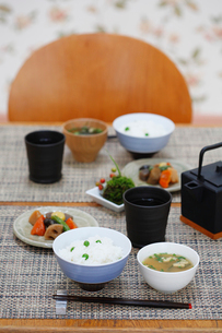 和の食卓の写真素材 [FYI04066130]