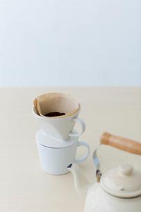 コーヒーとケトルの写真素材 [FYI04066694]