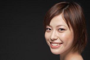 女性の顔の写真素材 [FYI04066995]