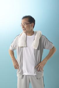 ジャージを着ている男性の写真素材 [FYI04067606]