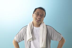 ジャージを着ている男性の写真素材 [FYI04067609]