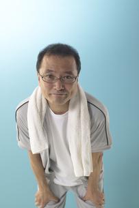 ジャージを着ている男性の写真素材 [FYI04067610]