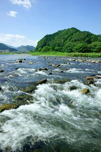 長良川 早瀬と山並の写真素材 [FYI04068367]