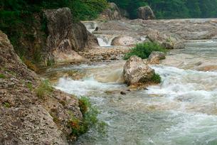 鳳来峡・板敷川(別称)宇連川の写真素材 [FYI04068462]
